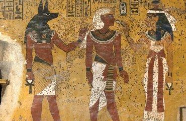 Таинственные пятна на могиле Короля Тута